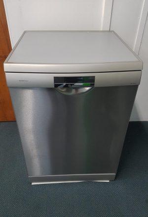 Bosch S/Steel SMS69T28AU Freestanding Dishwasher