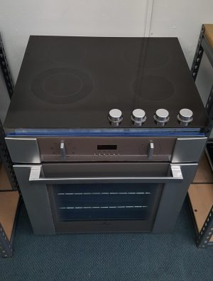 Fisher & Paykel S/Steel Wall Oven & Ceramic Cooktop Combo!