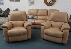 3-Piece 'Oscar' La-Z-Boy Leather Lounge Suite – Cali Frappe