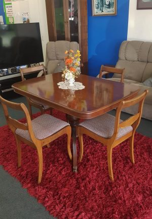 Solid Oak Wood 5-Piece Dining Suite