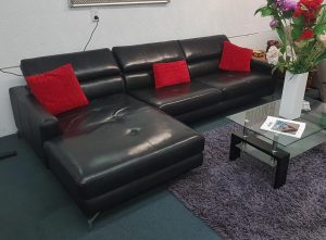 Stunning Black High Quality Leather Chaise Suite