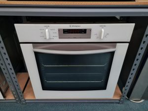 Westinghouse White Electric Wall Oven – in Oven Grill (POP668W)