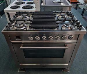 Ilve 90cm Electric Oven & Tepanyaki Cooktop P90FWMP