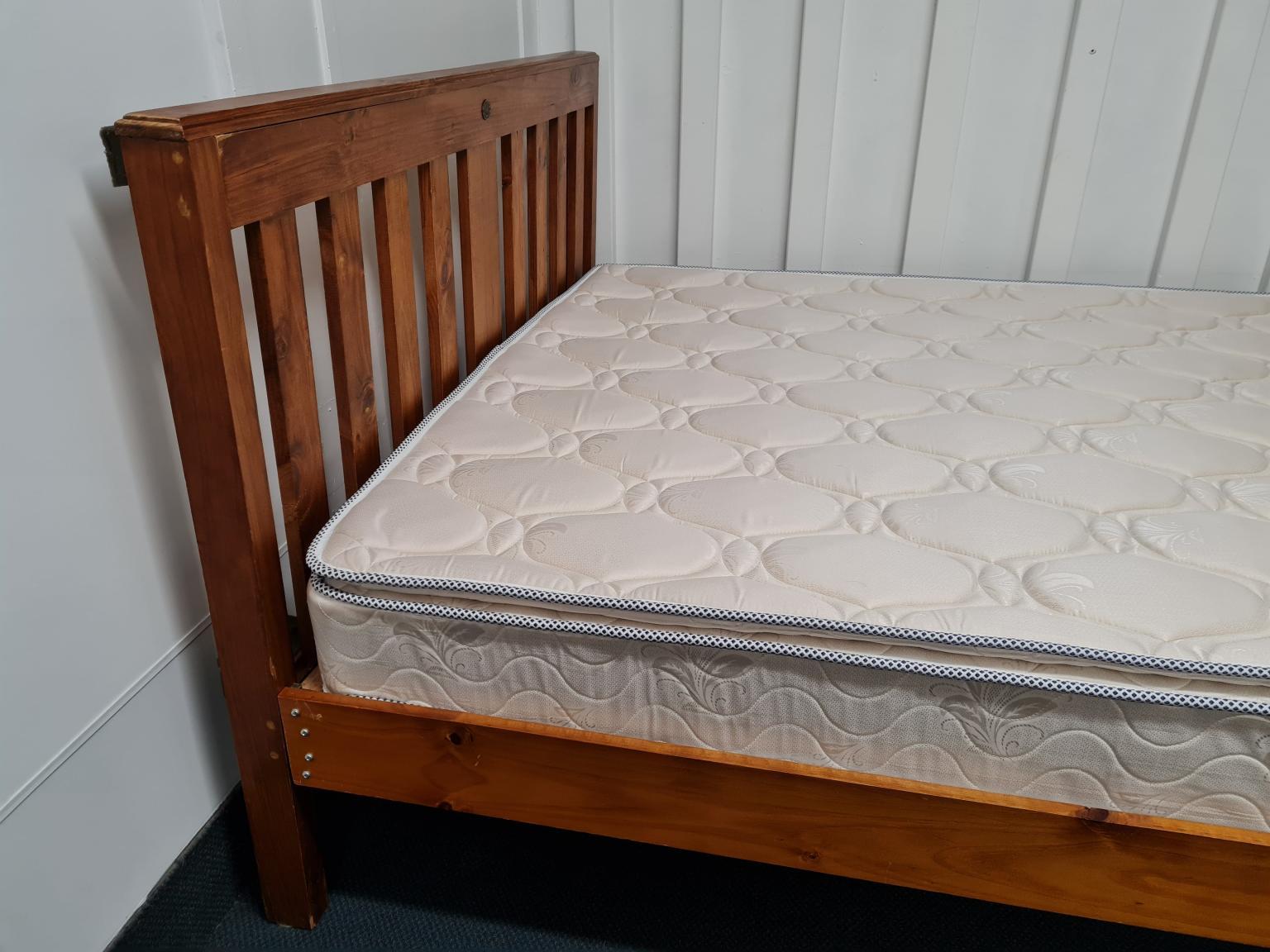 Slumberzone Queen Size Slat Bed with Headboard