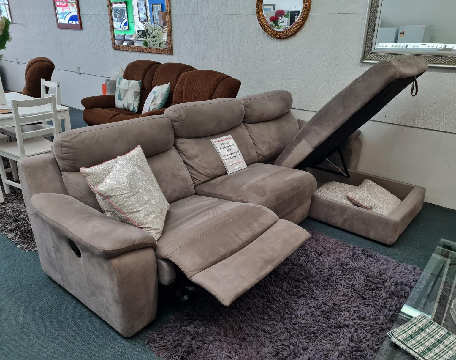 3-Seater Recliner Sofa with Chaise/Storage