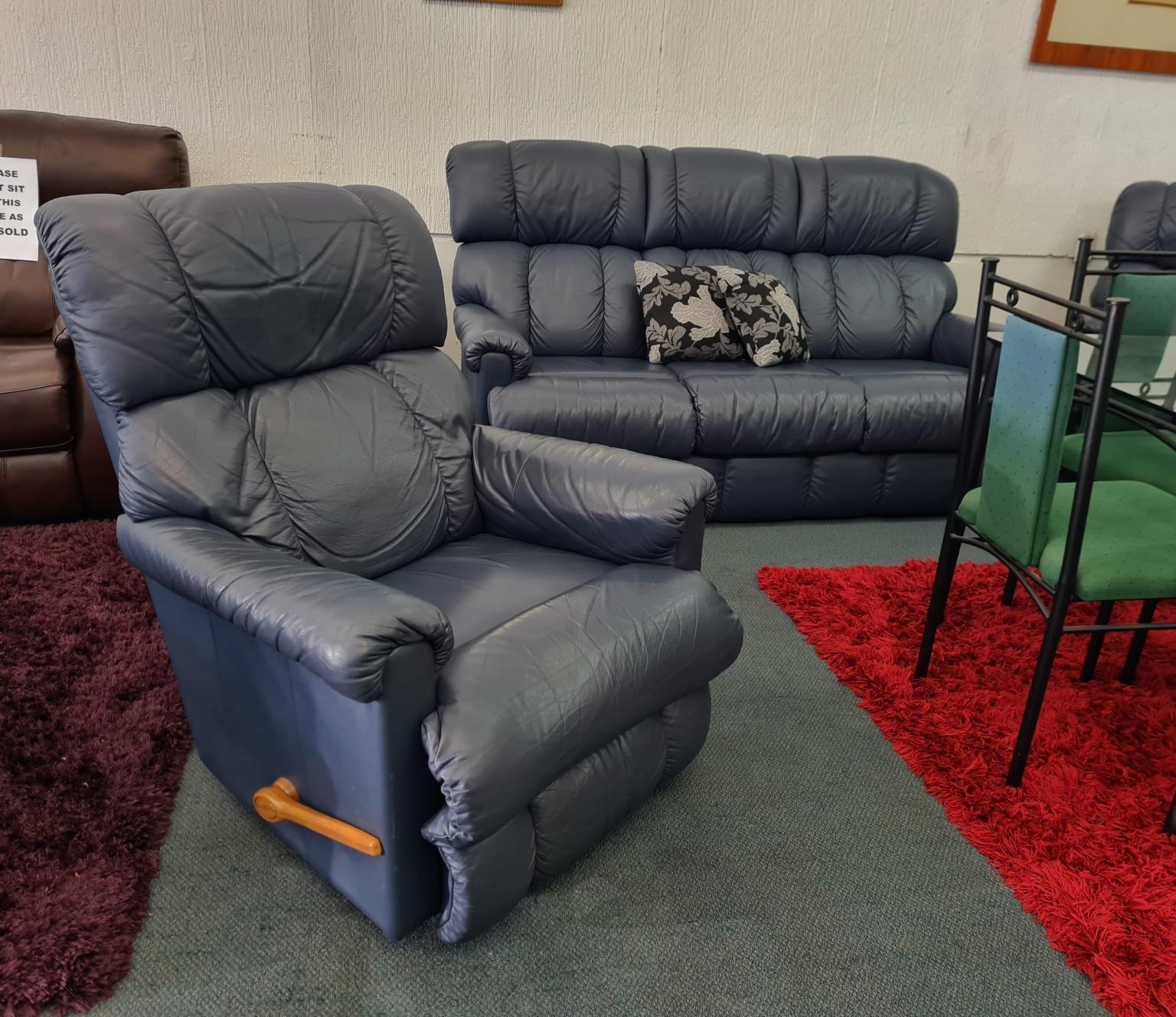 3-Piece Genuine Leather La-Z-Boy Lounge Suite