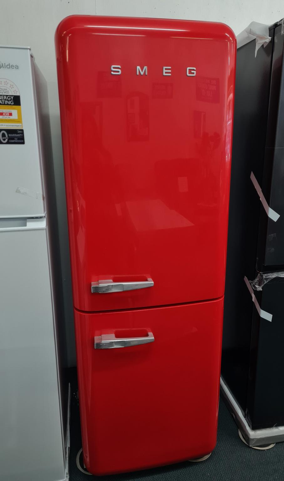 Smeg FAB32R4 50s Style Curved Fridge over Freezer – Red