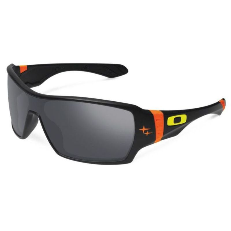 d752b4a661 h m s Remaining. Oakley Mens Sunglasses Troy Lee Designs Offshoot