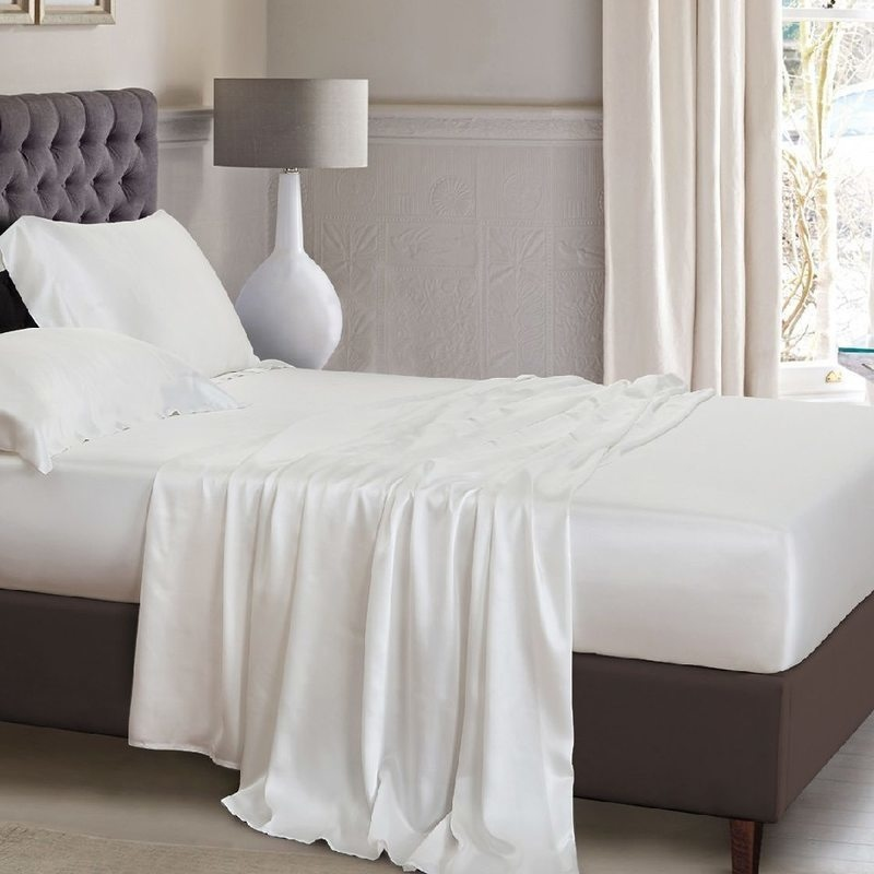 Soft And Silky Satin Polyester Bed Sheet Set 1000TC