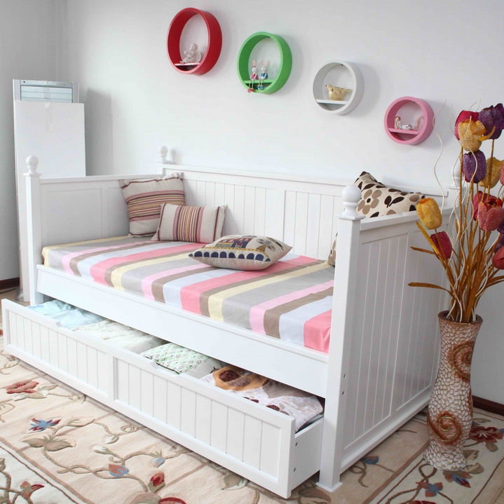 Single Size Day Bed In White With Full Trundle Bed