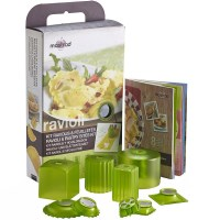 Mastrad Ravioli Pastry Pie Maker Gift Set in Green