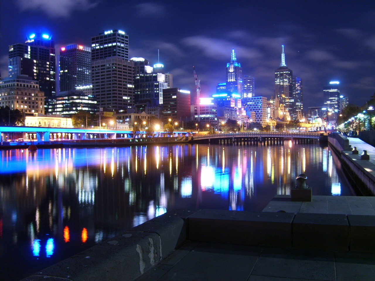 melbourne-at-night-1-1446256-1280x960.jpg