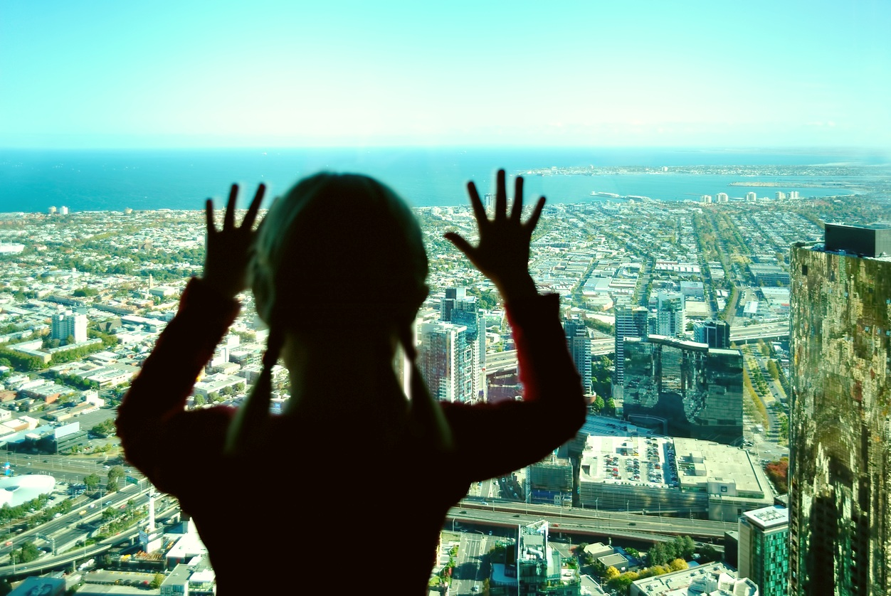 Visitors-at-Eureka-Tower-observation-deck.jpg