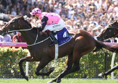 Flying-Artie-Wins-The-Coolmore-Stud-Stakes