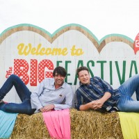 FESTIVAL_Big_Feastival_Jamie_Oliver_Alex_James