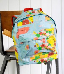 PRODUCTS_Back_to_School_World_map_backpack_Dotcomgiftshop