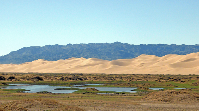 Sand dune in the Gobi desert