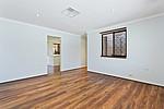 Property in HAMILTON HILL, 9 Honeysett Court