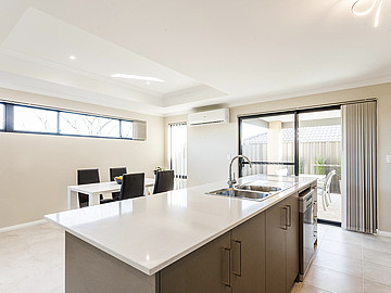 Property in HAMILTON HILL, 9A Fortini Court