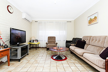 Property in SPEARWOOD, 16/3 Burgundy Crescent
