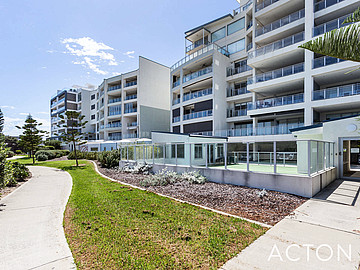 Property in NORTH COOGEE, 1/52 Rollinson Road