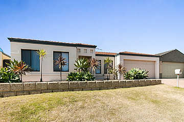 Property in SPEARWOOD, 15 Zlinya Circle