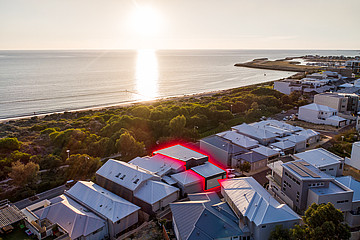 Property in NORTH COOGEE, 35 Perlinte View