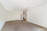 Property in CLAREMONT, 8/3 Corry Lynn Road