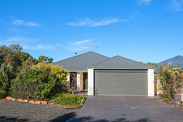 Property in ABBEY, 5 Flinders Crescent