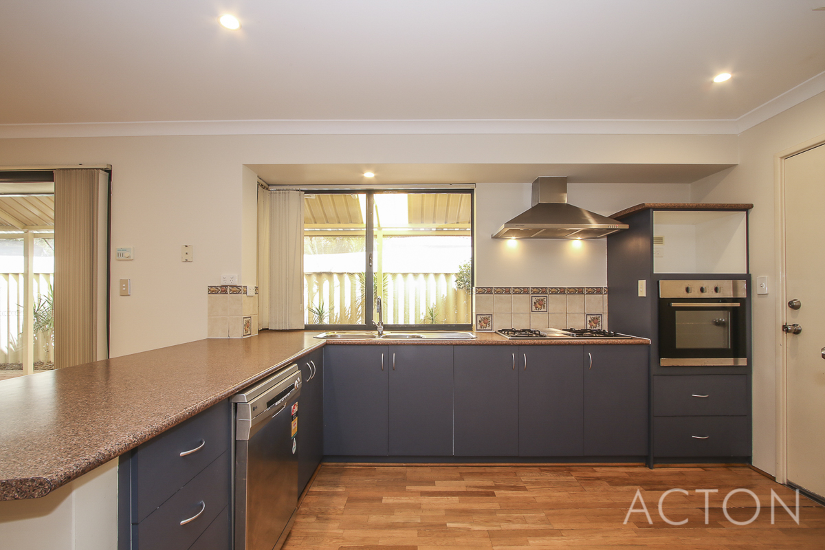 10 Fleet Circle High Wycombe - House For Sale - 20629774 - ACTON Applecross