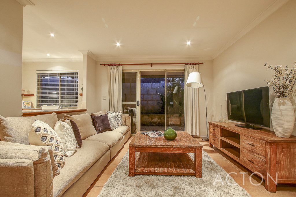 Unit 4 29-31 Ullapool Road, Mount Pleasant - House For Sale - 20092006 - ACTON Applecross