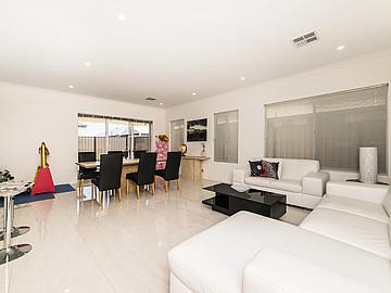 Property in PIARA WATERS, 15 Riviera Turn