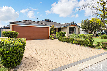 Property in PORT KENNEDY, 20 Pastrana Crescent