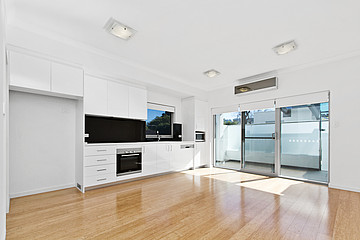 Property in WEST LEEDERVILLE, 15/110 Cambridge Street