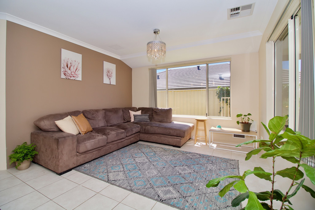 27 Highcliffe Circle Lakelands - House For Sale - 20057111 - ACTON Rockingham