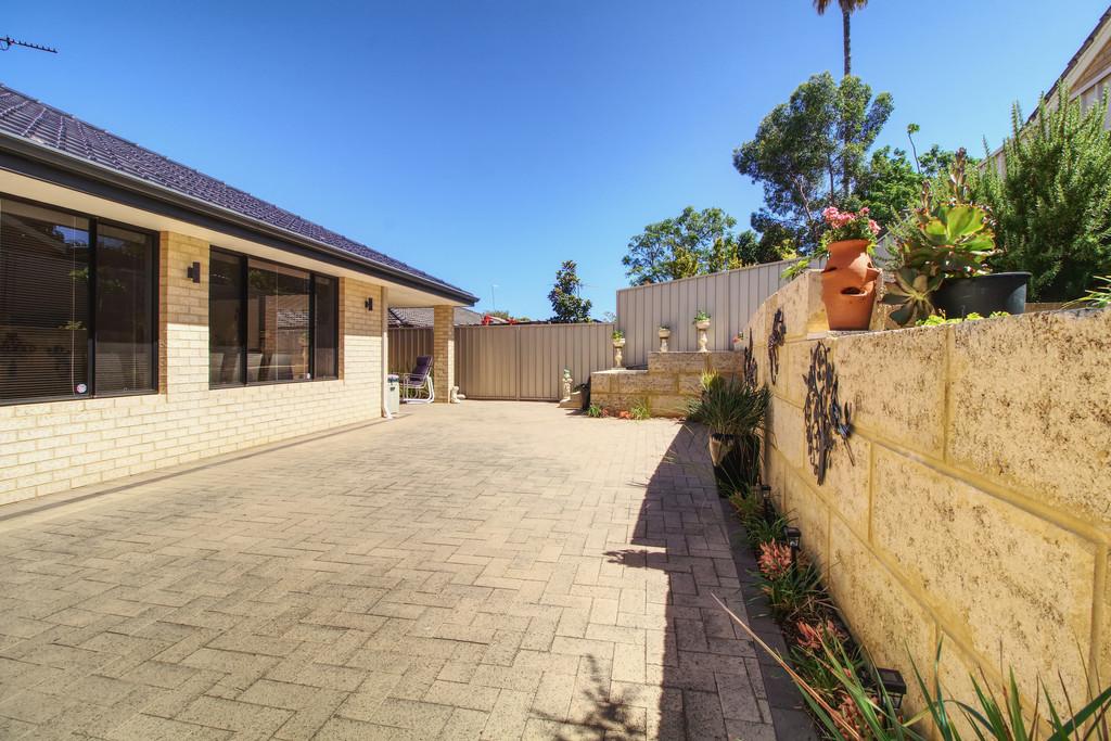 12 Holcombe Road Warnbro - House For Sale - 18217636 - ACTON Rockingham
