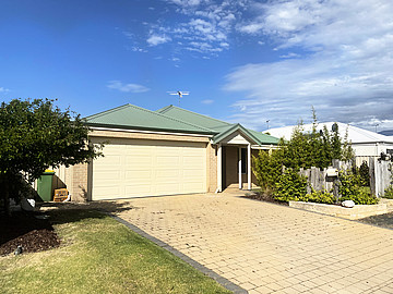 Property in DUNSBOROUGH, 8 Indooroopilly Crescent