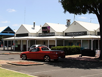 Property in BROADWATER, 7 Shops/539 Bussell Highway