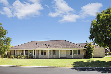 Property in BROADWATER, 1 Sherwood Crescent