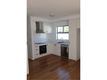 Property in CLOVERDALE, 7/4 Hendra Street