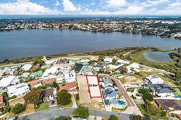 Property in SALTER POINT, 79 River Way