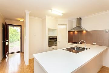 Property in BENTLEY, 131B Walpole Street