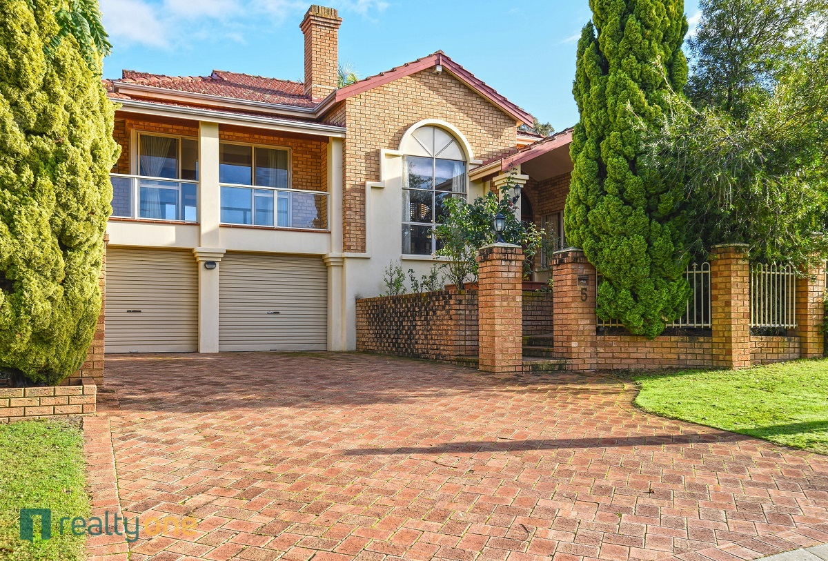 5 Roskhill Place