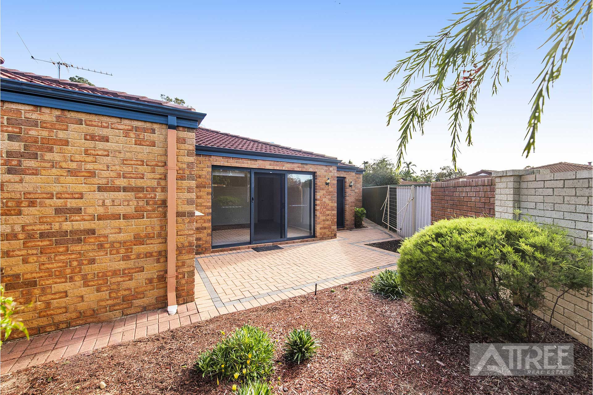 Property for sale in THORNLIE, 1/11 Exmouth Place : Attree Real Estate
