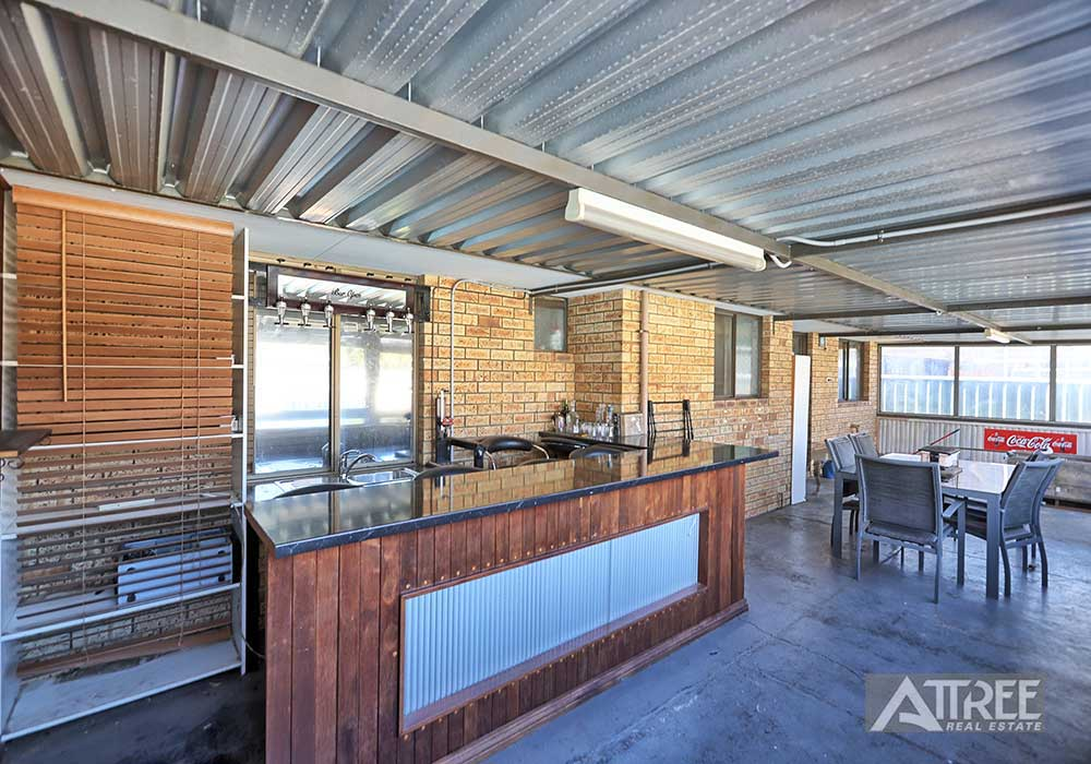 Property for sale in CAMILLO, 10 Beechcroft Place : Attree Real Estate