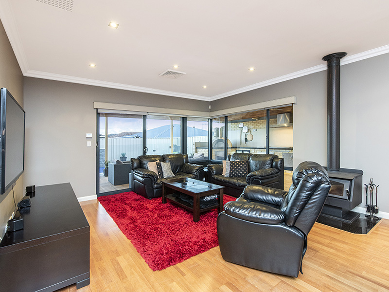 Property for sale in CANNING VALE, 21 Dupont Way : Attree Real Estate