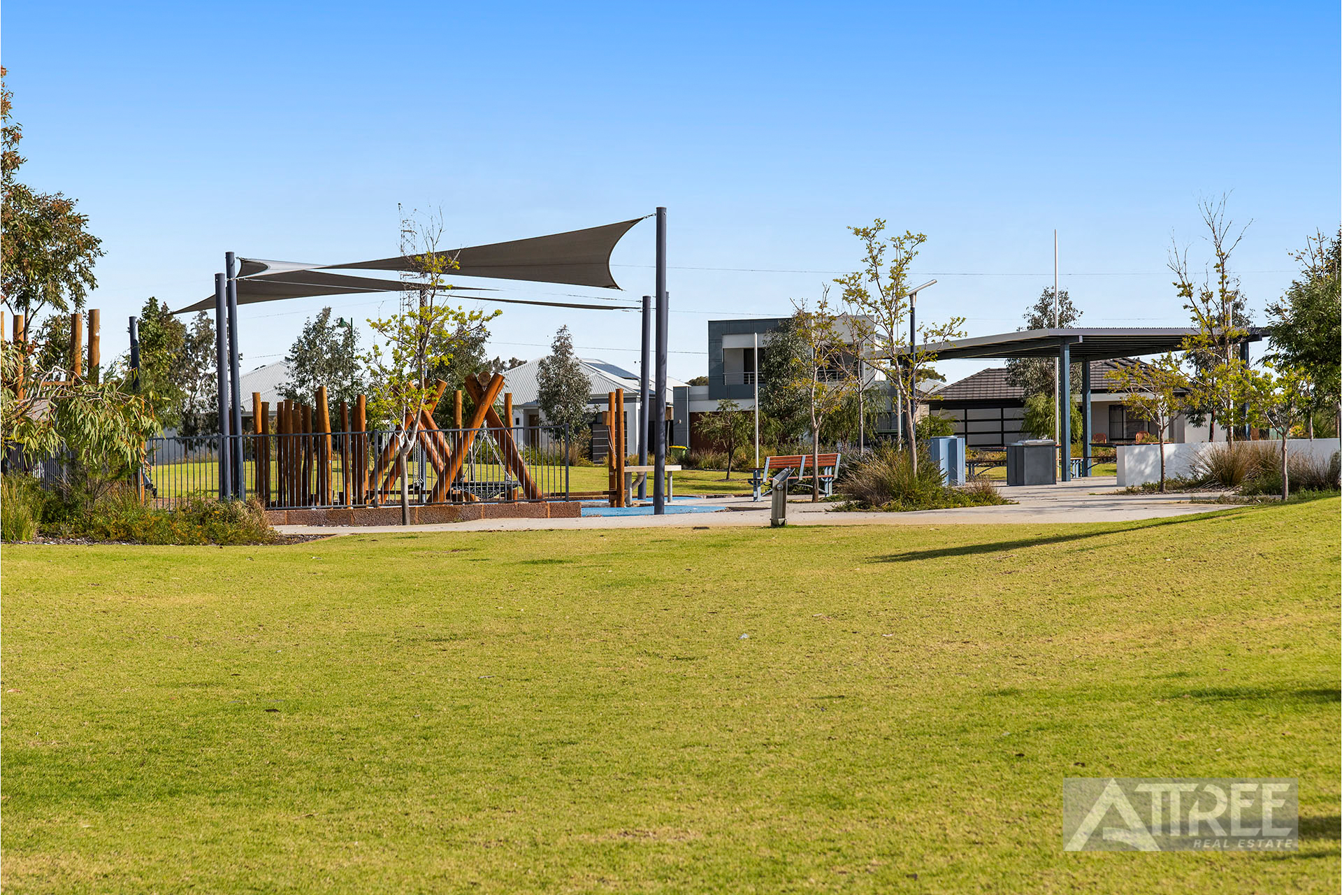 Property for sale in PIARA WATERS, 14 Boranup Rise : Attree Real Estate