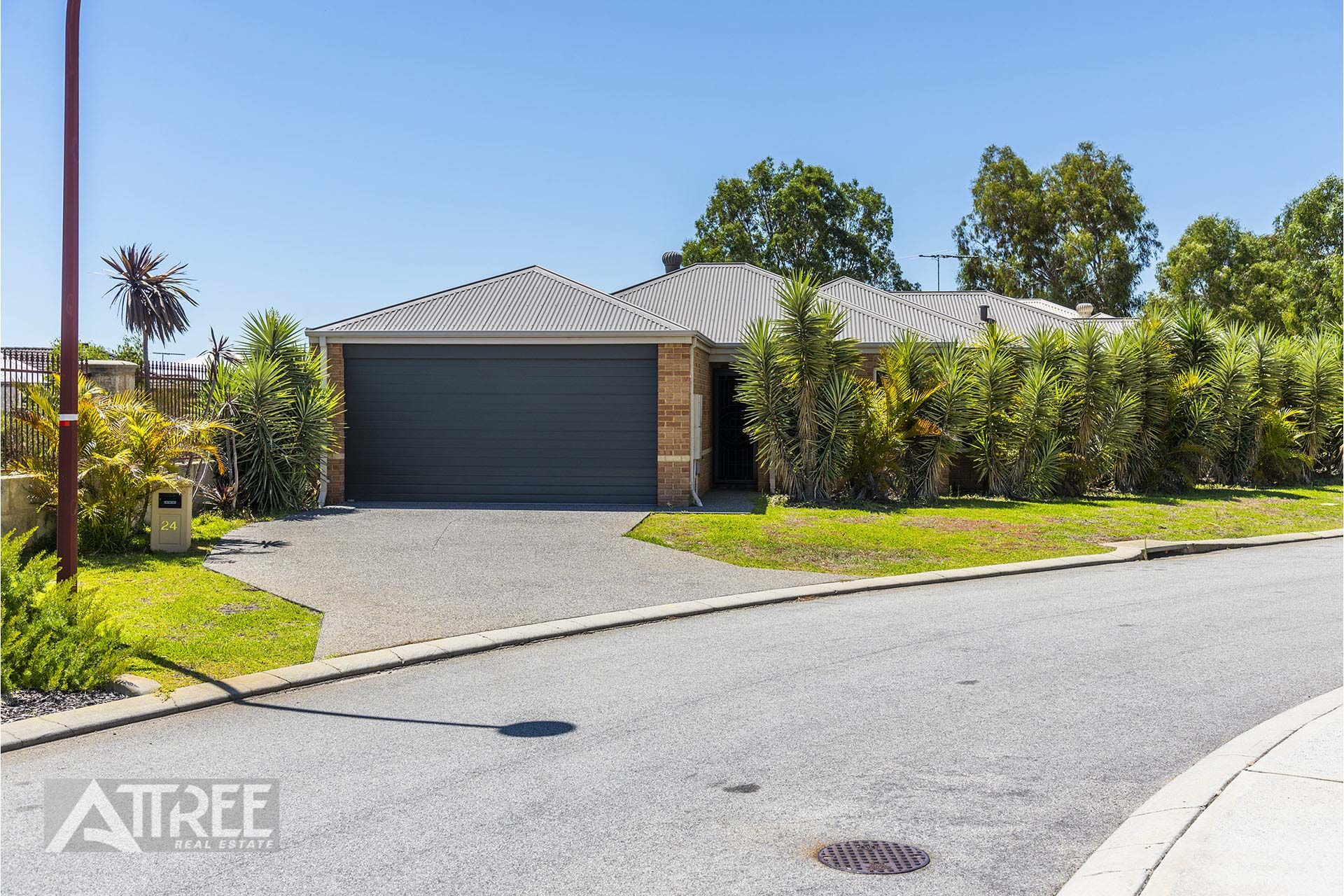 Property for sale in CANNING VALE, 24 Hourn Way : Attree Real Estate