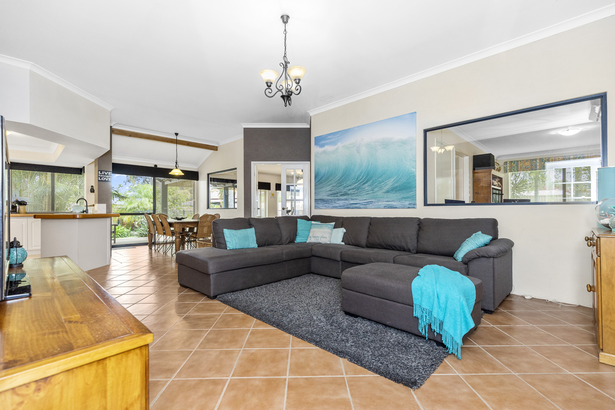 Property for sale in HUNTINGDALE, 27 Blakemore Retreat : Attree Real Estate