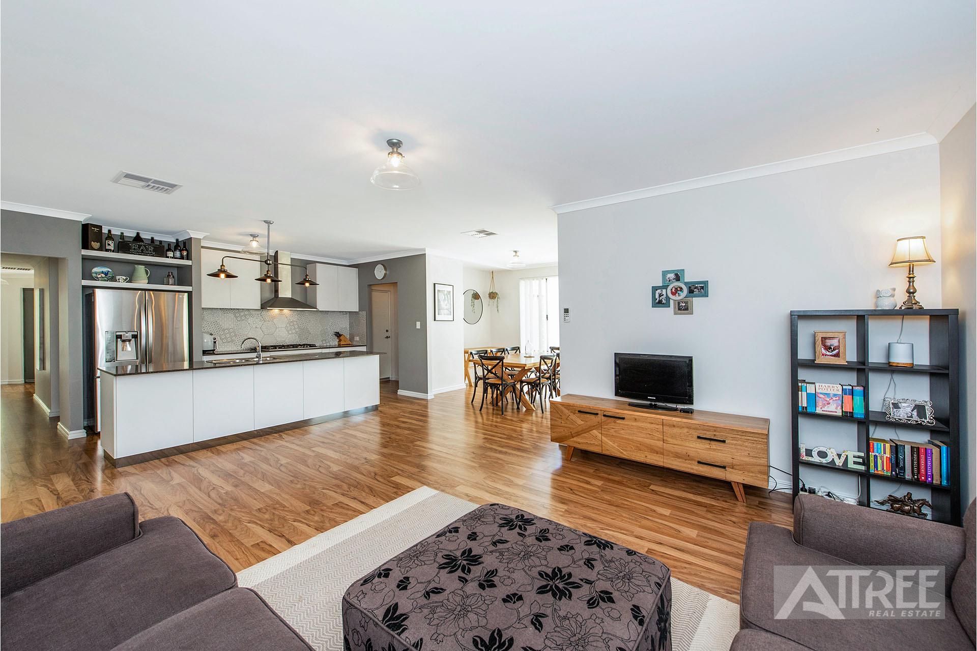 Property for sale in SEVILLE GROVE, 15 Dunn Close : Attree Real Estate